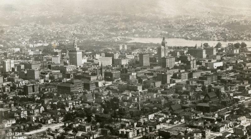 Oakland California aerial view 1923