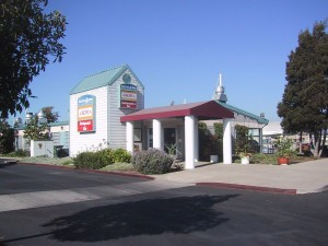 Aroma Restaurant and Bar, 2337 Blanding Ave., Alameda, California, 2002