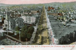San Pablo Ave., City Hall in Foreground, San Francisco Bay to the Left. Oakland, Cal.
