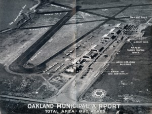 Oakland Municipal Airport total area 890 acres